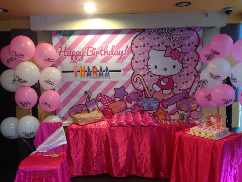 Actual Party Tharaaturnstwo A Jollibee Hello Kitty